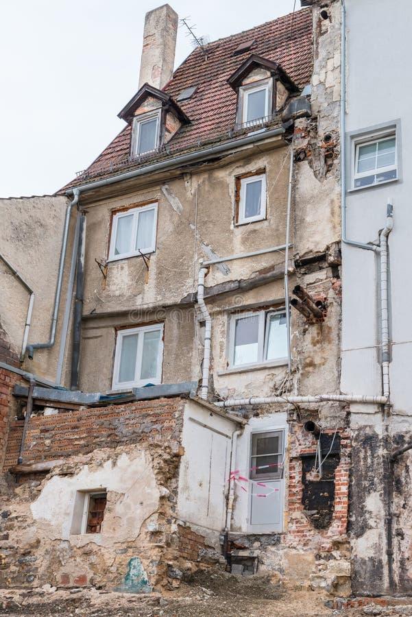 Photographie d'une maison de démolition en danger de s'effondrer, Allemagne image stock