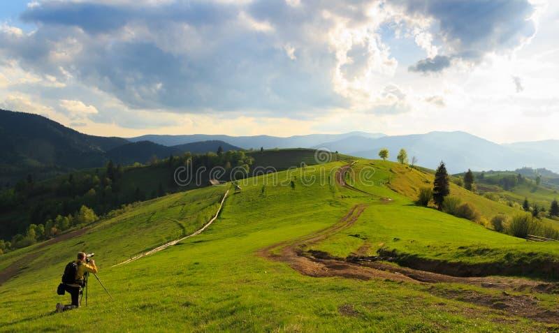 Photographie de paysage dans Mizhhiria, Carpathiens images stock