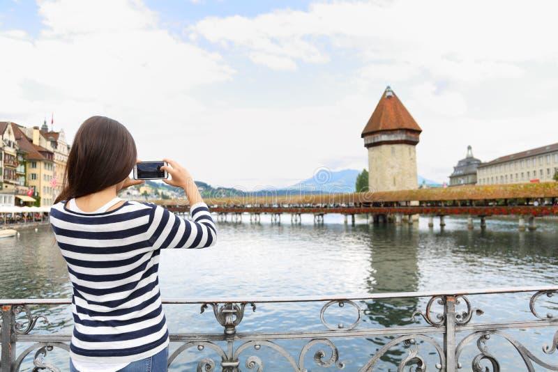 Photographie de prise de touristes en luzerne Suisse images libres de droits
