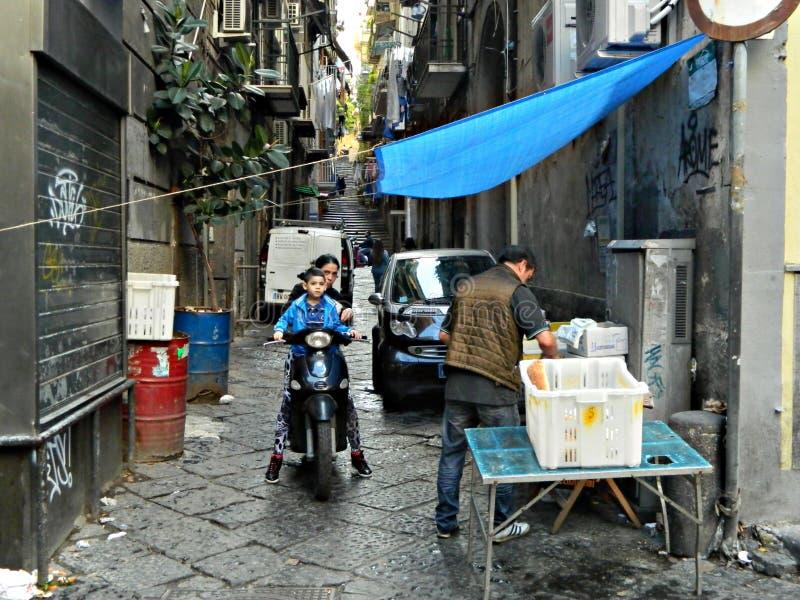 Download Photographie De Rue Dans La Ville De Naples, Tradition, Culture Photo éditorial - Image du ville, historique: 45369201