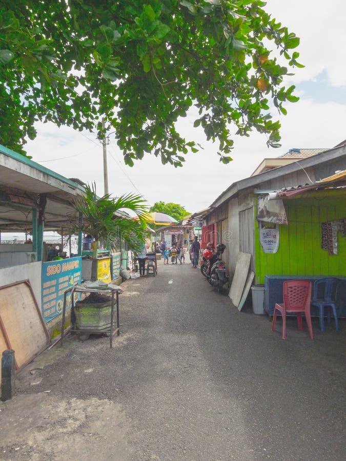 Photographie de rue de ville de Balikpapan, Bornéo, Indonésie images stock