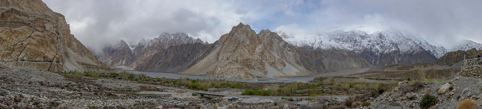 Photographie panoramique de mountainscape au village de Passu, Gilgit, Ba photos stock