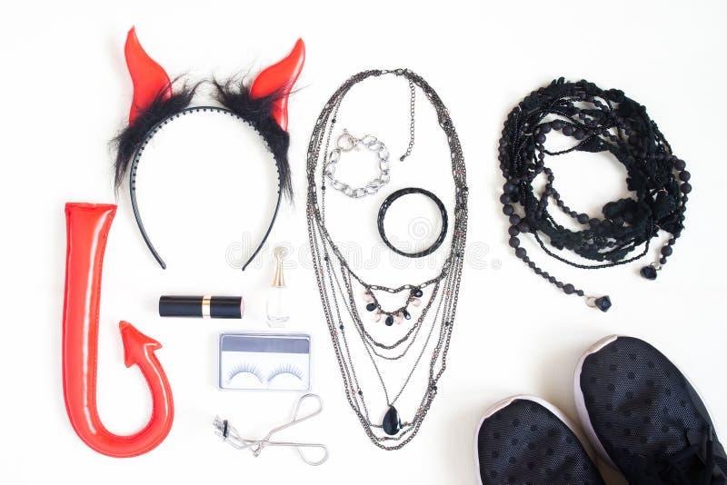 Photographie plate de configuration avec des accessoires de mode de Halloween, cosmeti image stock