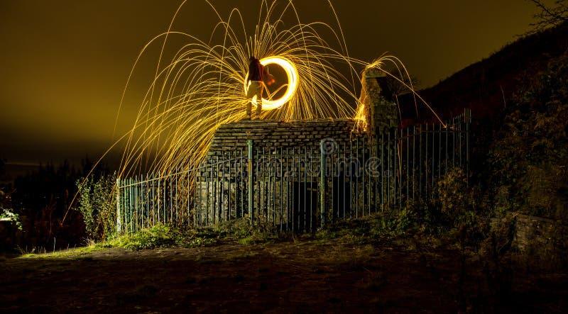 Photographie proche de laine en acier Nuit brumeuse photos libres de droits