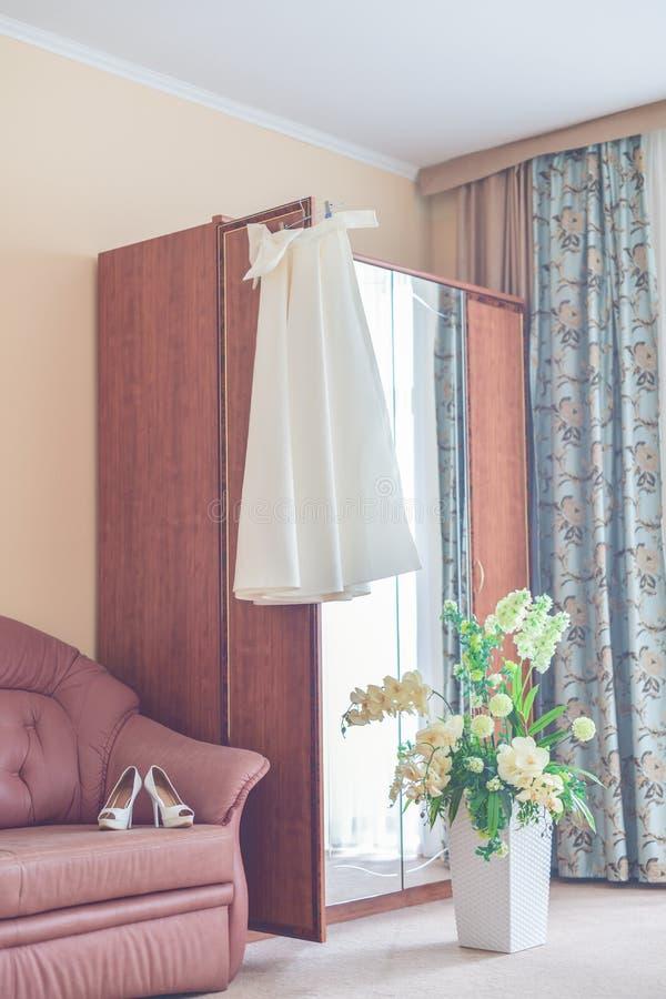 Photographie verticale Préparations pour le mariage Bri de matin photo stock