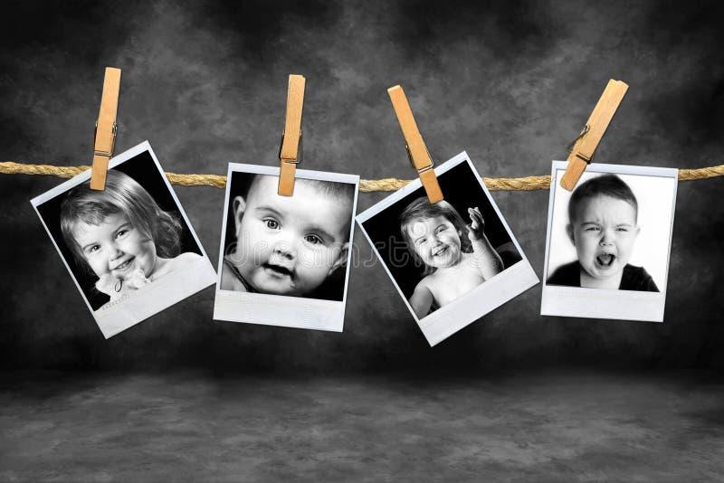 Photos polaroïd d'enfants en bas âge beaucoup d'expressions image libre de droits