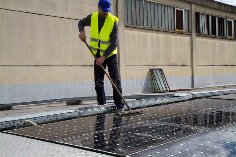 Photovoltaic arbete royaltyfri foto