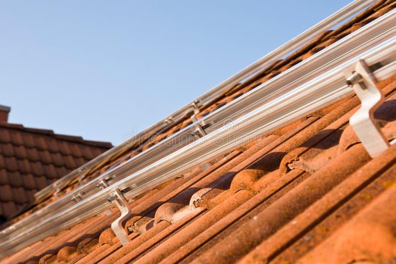 Photovoltaic opzettende profielen stock fotografie