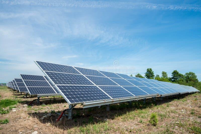 Photovoltaic panel - alternatywny elektryczności źródło zdjęcia royalty free