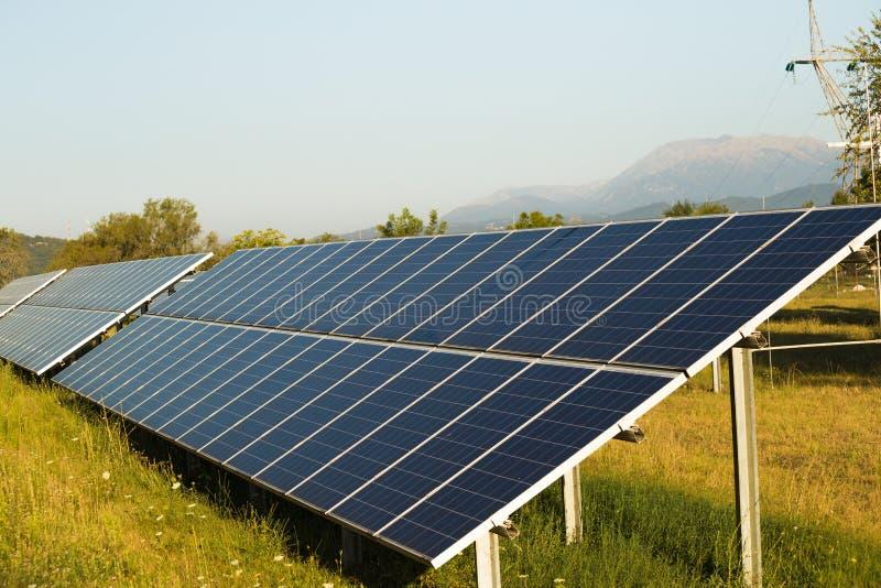 Photovoltaic sol- parkerar royaltyfria bilder