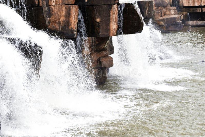 Phoy瀑布, Wangthong,彭世洛在泰国 免版税库存照片