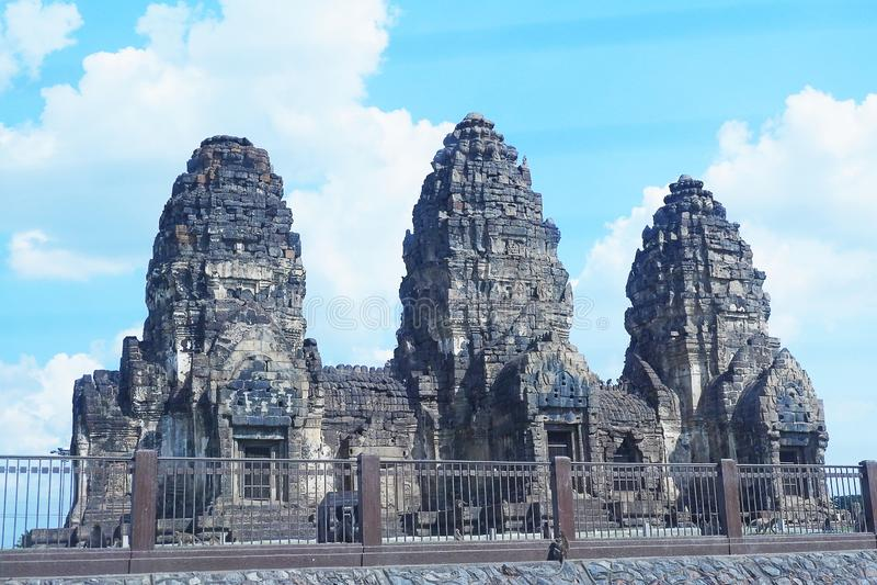Phra普朗山姆Yod寺庙 古老高棉建筑学在Lopburi,泰国-图象 库存照片