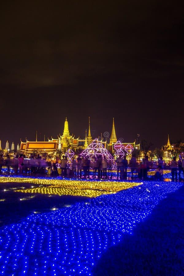 Phra洛坤,曼谷,May25,2019的泰国:在萨娜姆Luang礼仪地面的美丽的LED光装饰,在Wat Phra K前面 库存照片