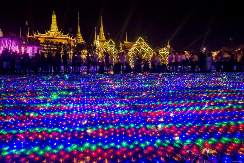 Phra洛坤,曼谷,May25,2019的泰国:在萨娜姆Luang礼仪地面的美丽的LED光装饰,在Wat Phra K前面 图库摄影