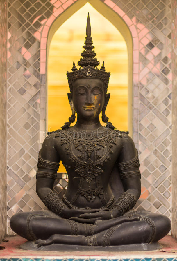 Phra玛哈在古庙, Wat Chomphu的jakkraphat雕象 库存照片