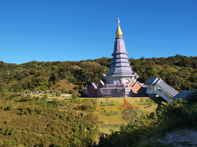 Phra玛哈Dhatu纳巴Metaneedol,土井的Inthanon,泰国塔 库存照片