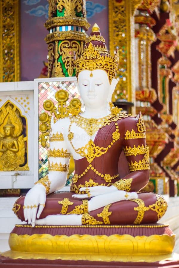 Phra玛哈Jakkrapat,在寺庙的泰国菩萨雕象 库存图片