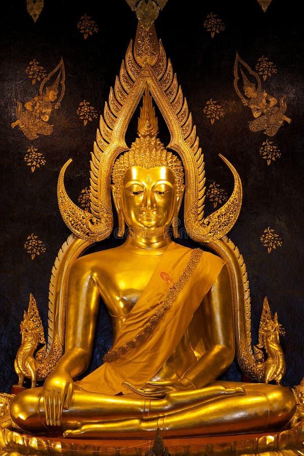 Phra Buddhajinaraja em Phitsanulok, Tailândia imagem de stock royalty free