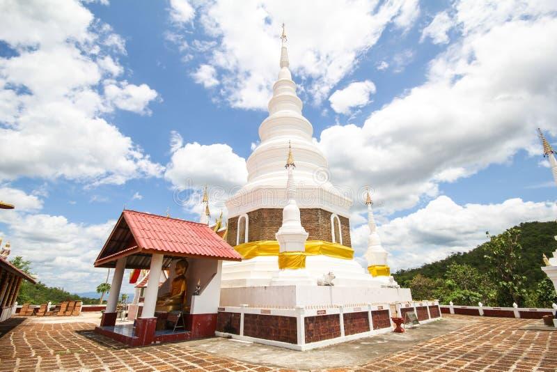 Phra Chedi Srivichai Jom Kiri, Lamphun, Tailandia imagen de archivo libre de regalías