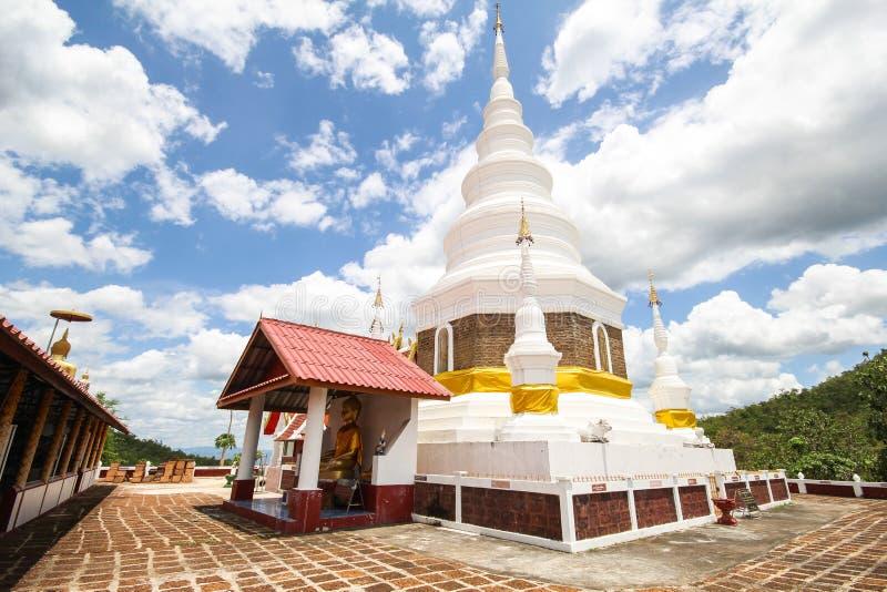 Phra Chedi Srivichai Jom Kiri, Lamphun, Tailandia fotos de archivo