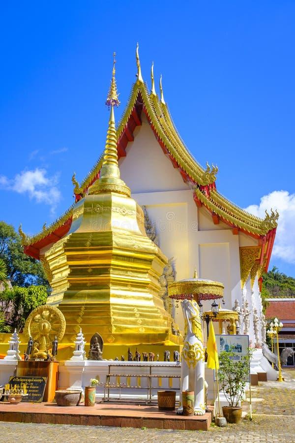 Phra det Doi Tung tempel arkivfoton