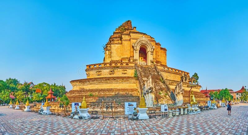 Phra extant che Chedi Luang, Wat Chedi Luang, Chiang Mai, Tailandia immagini stock libere da diritti