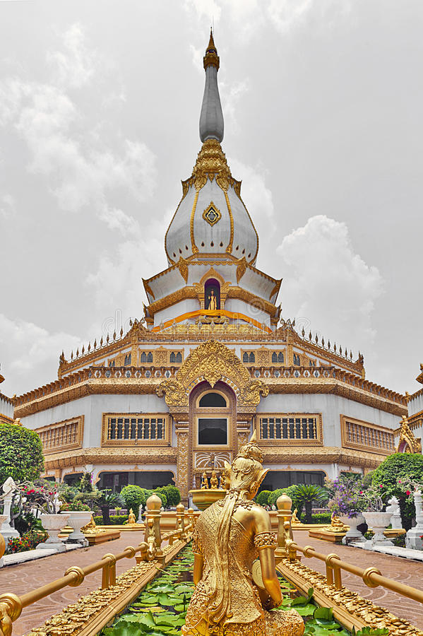 Phra Maha Chedi Chai Mongkol, Roi Et province, northeastern Thailand. Phra Maha Chedi Chai Mongkol, a highly-revered pagoda containing relics of Buddha, located royalty free stock photos