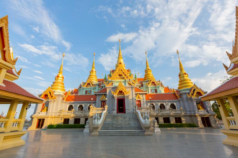 Phra Maha That Chedi Phakdee annonce photographie stock