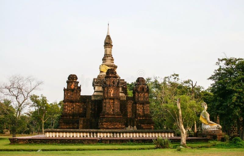 Phra Mahatat Chedi di Sukhothai in città antica immagini stock