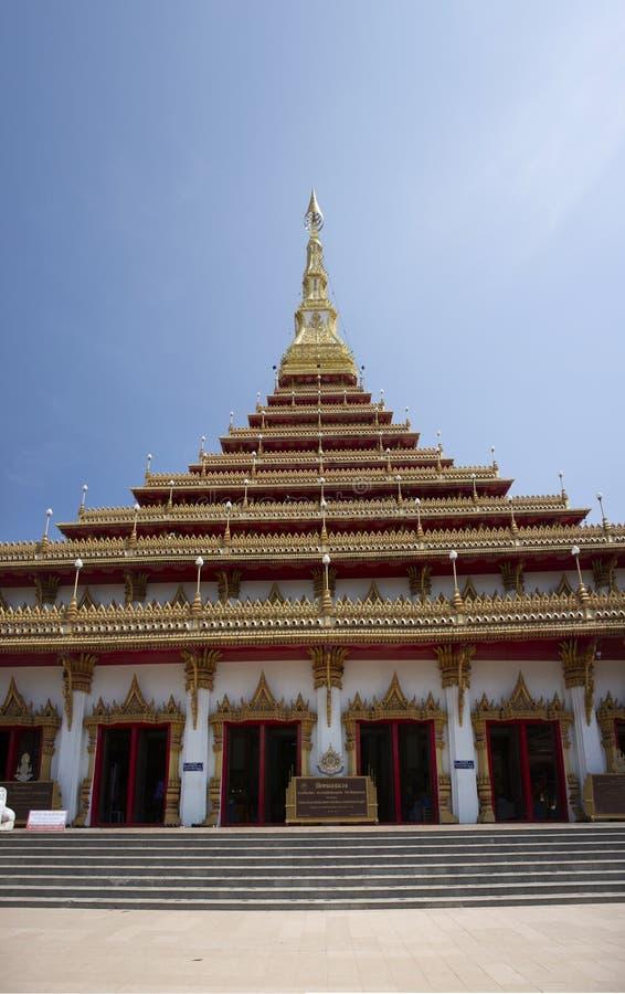 Phra Mahathat Kaen Nakhon pagoda w Wata Nong Waeng świątyni dla tajlandzkich ludzi i podróżnicy odwiedzamy i my modlimy się przy  obraz royalty free