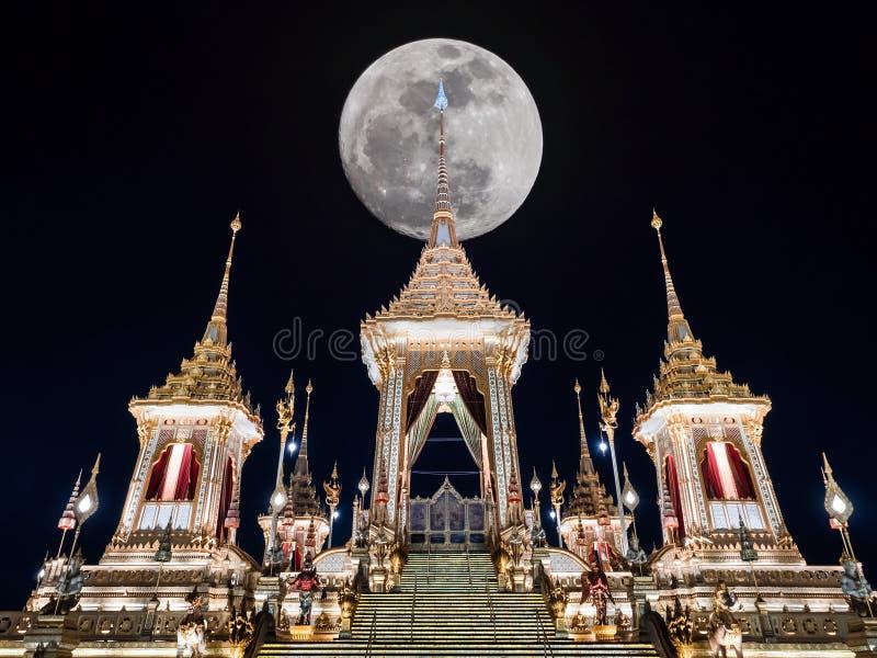 Phra Merumas, grande peru ou pira funerária da cremação ou do funeral real o fotografia de stock