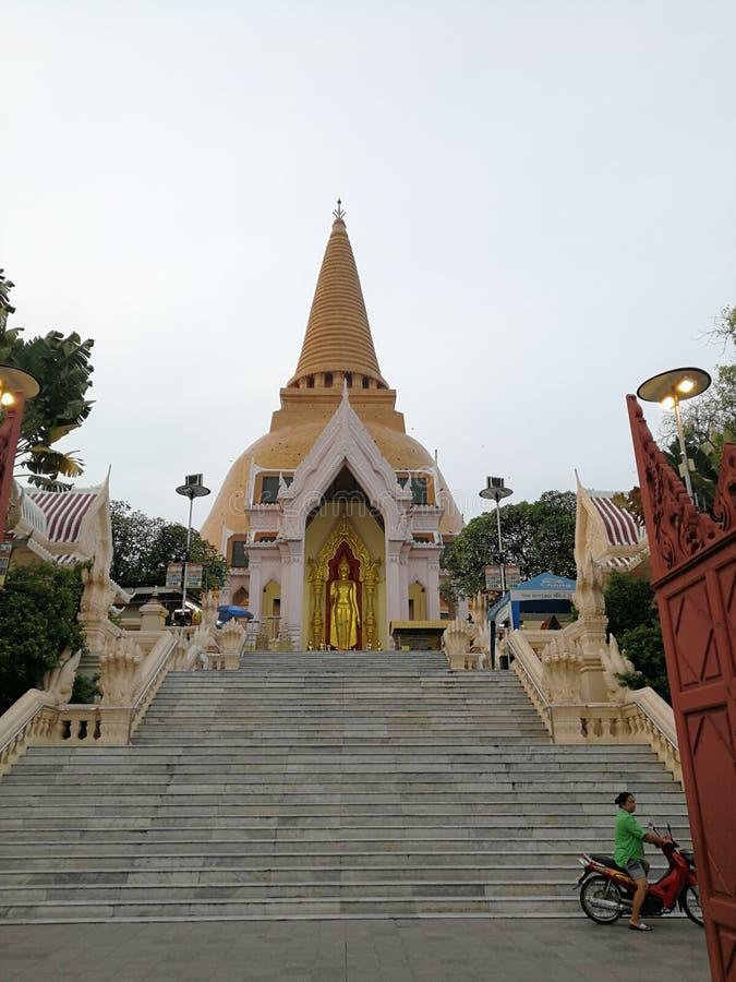 Phra Pathom Chedi, провинция Nakhon Pathom, Таиланд стоковые фотографии rf