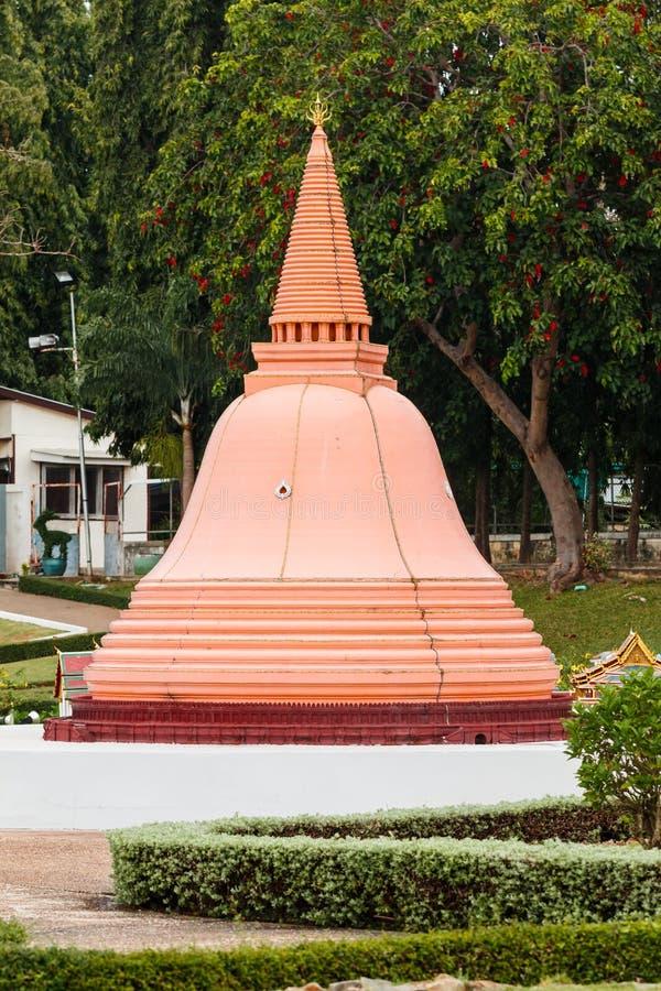 Phra Pathom Chedi en Mini Siam Park, Tailandia foto de archivo libre de regalías