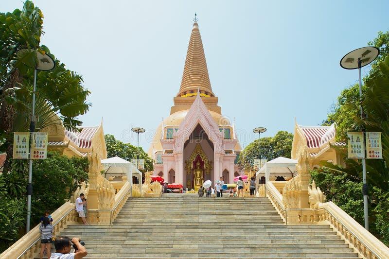 Phra Pathom Chedi, het oriëntatiepunt van de Provincie van Nakhon Pathom, Thailand royalty-vrije stock foto's