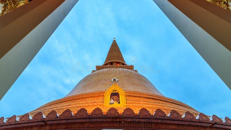 Phra Pathom Chedi o stupa o mais alto e o mais grande, pagode no mundo imagens de stock royalty free
