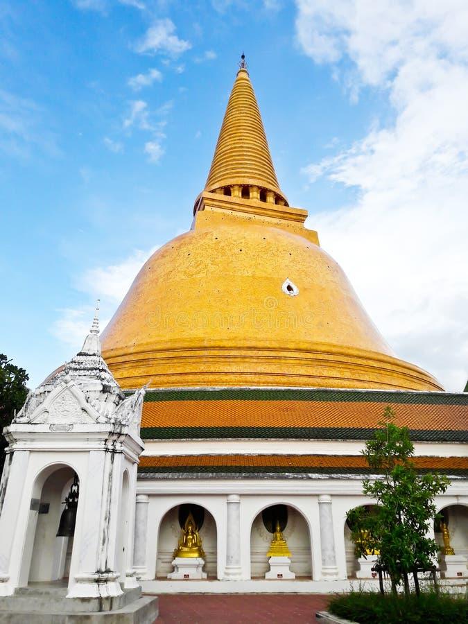Phra Pathom Chedi, o stupa o mais alto no mundo imagens de stock royalty free