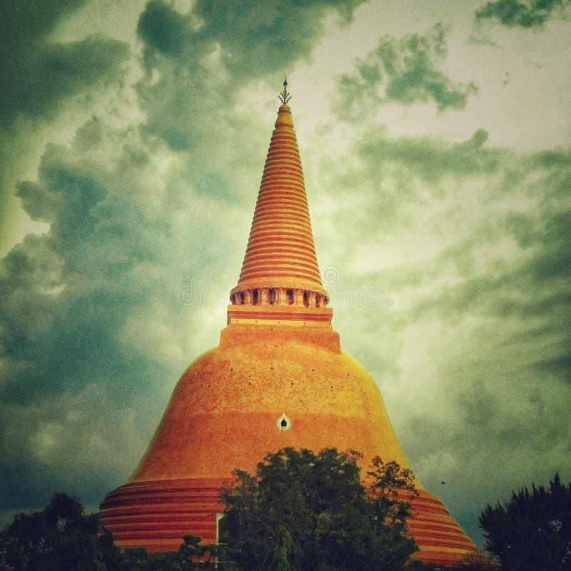 Phra Pathom Chedi o templo o maior fotos de stock royalty free