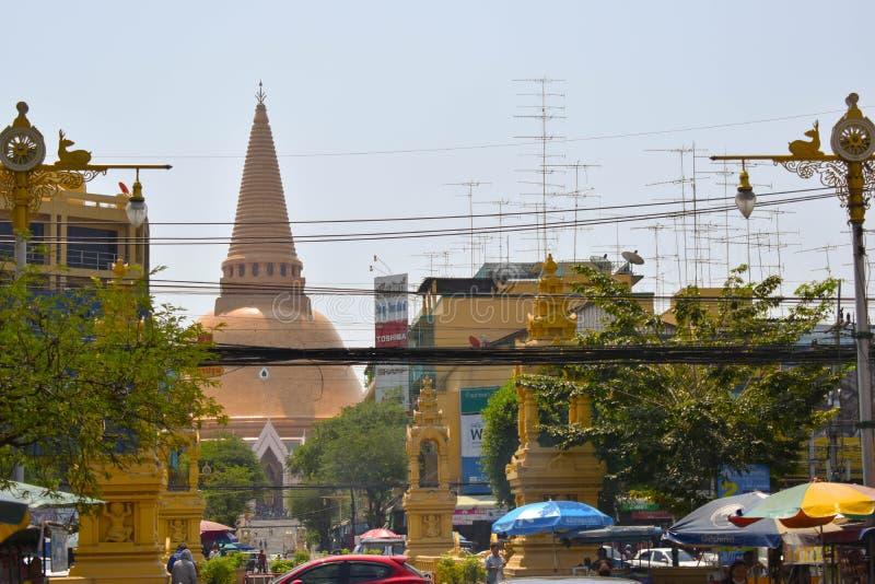 Phra Pathommachedi ο ναός στην Ταϊλάνδη στοκ εικόνες