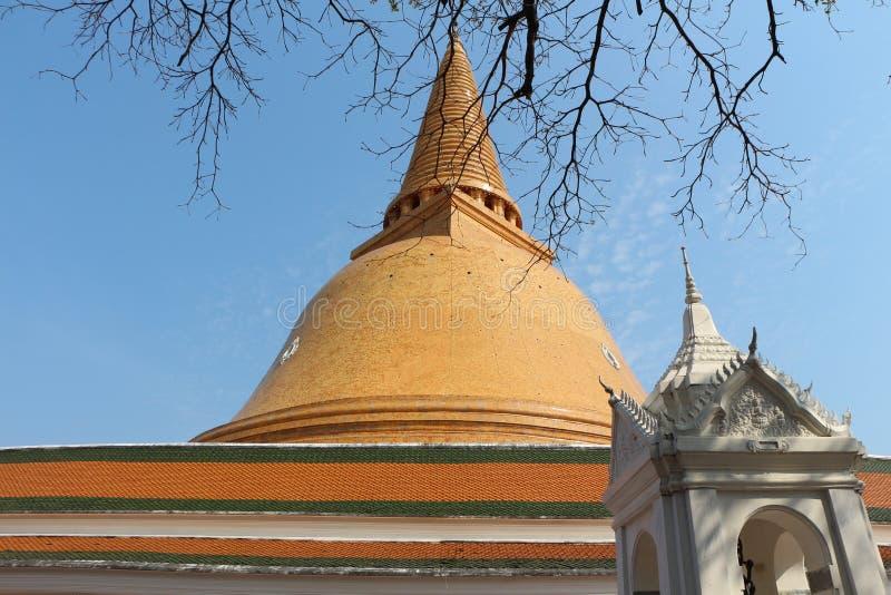 Phra Pathommachedi royaltyfri foto