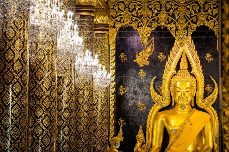 Phra Phuttha Chinnarat, Thaise oude erfenis en beschouwd als één van het mooiste die cijfer van Boedha in Thailand, in Wat wordt  stock foto's