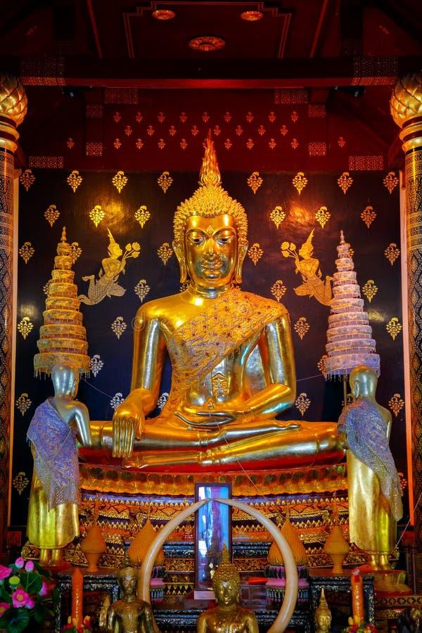 Phra Phuttha Chinnasi Buddha wizerunek przy Wata Phra Si Rattana Mahathat świątynią w Phitsanulok, Tajlandia obrazy stock