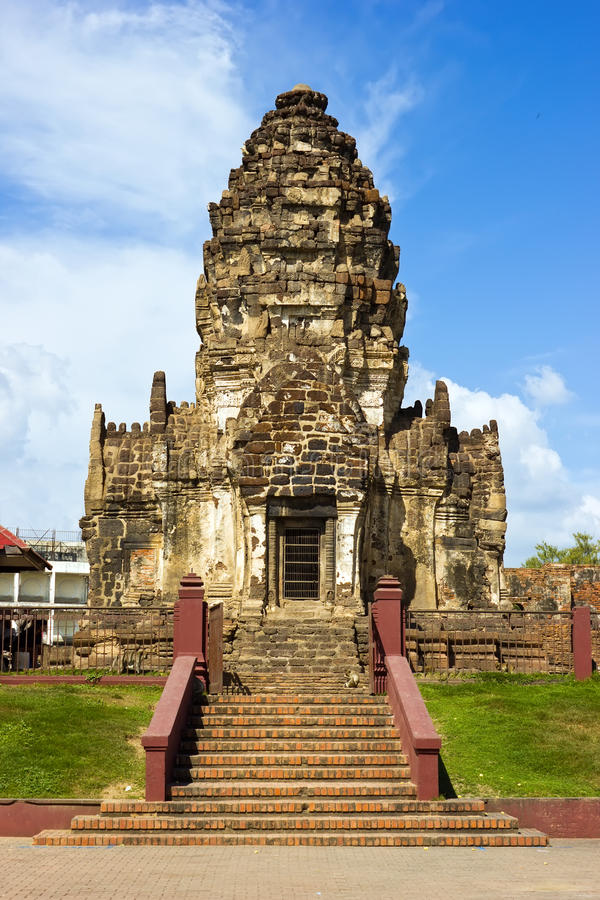 Download Phra Prang Sam Yot In Thailand Stockbild - Bild von ruine, pagode: 27725615