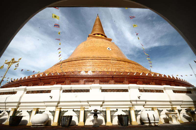 PHRA PRATHOM JEDI,泰国的最大的塔。 免版税库存图片