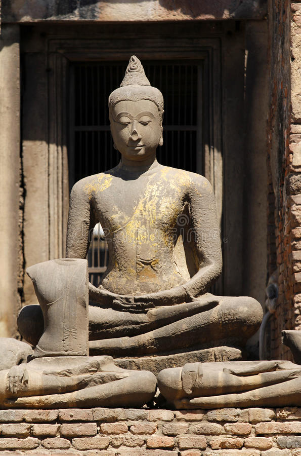 Download Phra Rozwala Sam Yot zdjęcie stock. Obraz złożonej z wiara - 42525032