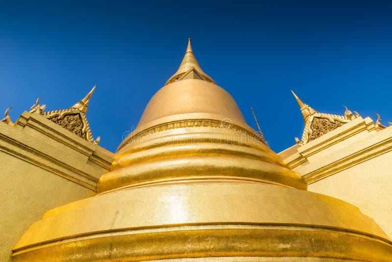Phra Sri Rattana Chedi στο ύφος Sri Lankan στο ναό Wat Phra Kaew στη Μπανγκόκ, Ταϊλάνδη στοκ εικόνες