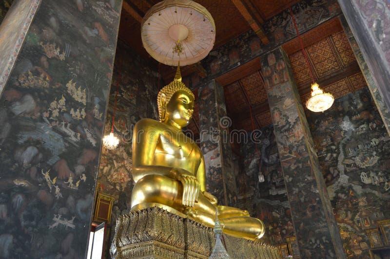 Phra Sri Sakyamuni,制服玛拉态度菩萨 免版税库存照片