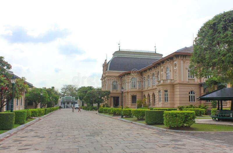 Phra Thinang Boromphiman, woonplaats van Thaise koningen in het Grote Paleis, Bangkok stock fotografie