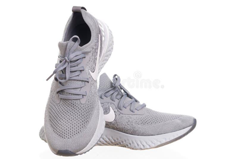 PHUKET, TAILÂNDIA - 21 DE JUNHO DE 2018: Tiro do produto de homens de Nike fotografia de stock