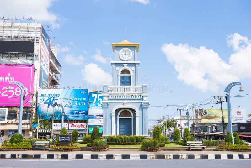 Phuket, Tailandia - 25 de julio de 2016: agai de la torre de reloj del círculo del surin fotografía de archivo