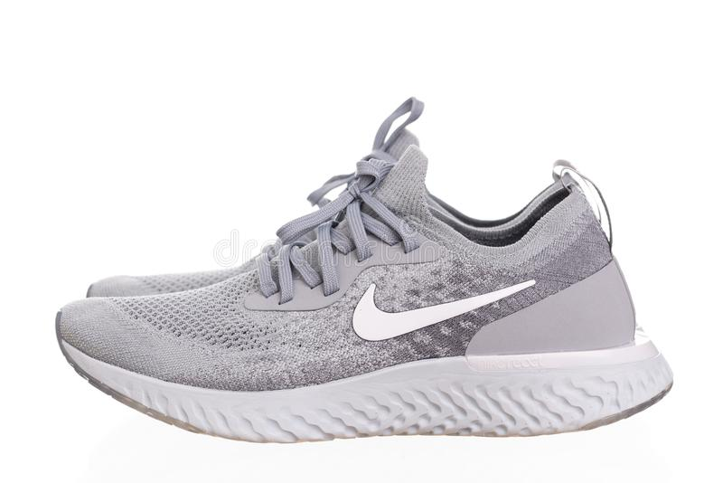 PHUKET TAJLANDIA, CZERWIEC, - 21, 2018: Produktu krótkopęd Nike mężczyzna zdjęcia stock